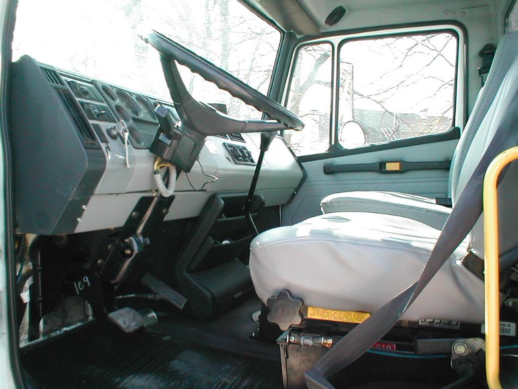 1995 Freightliner Fl70 2